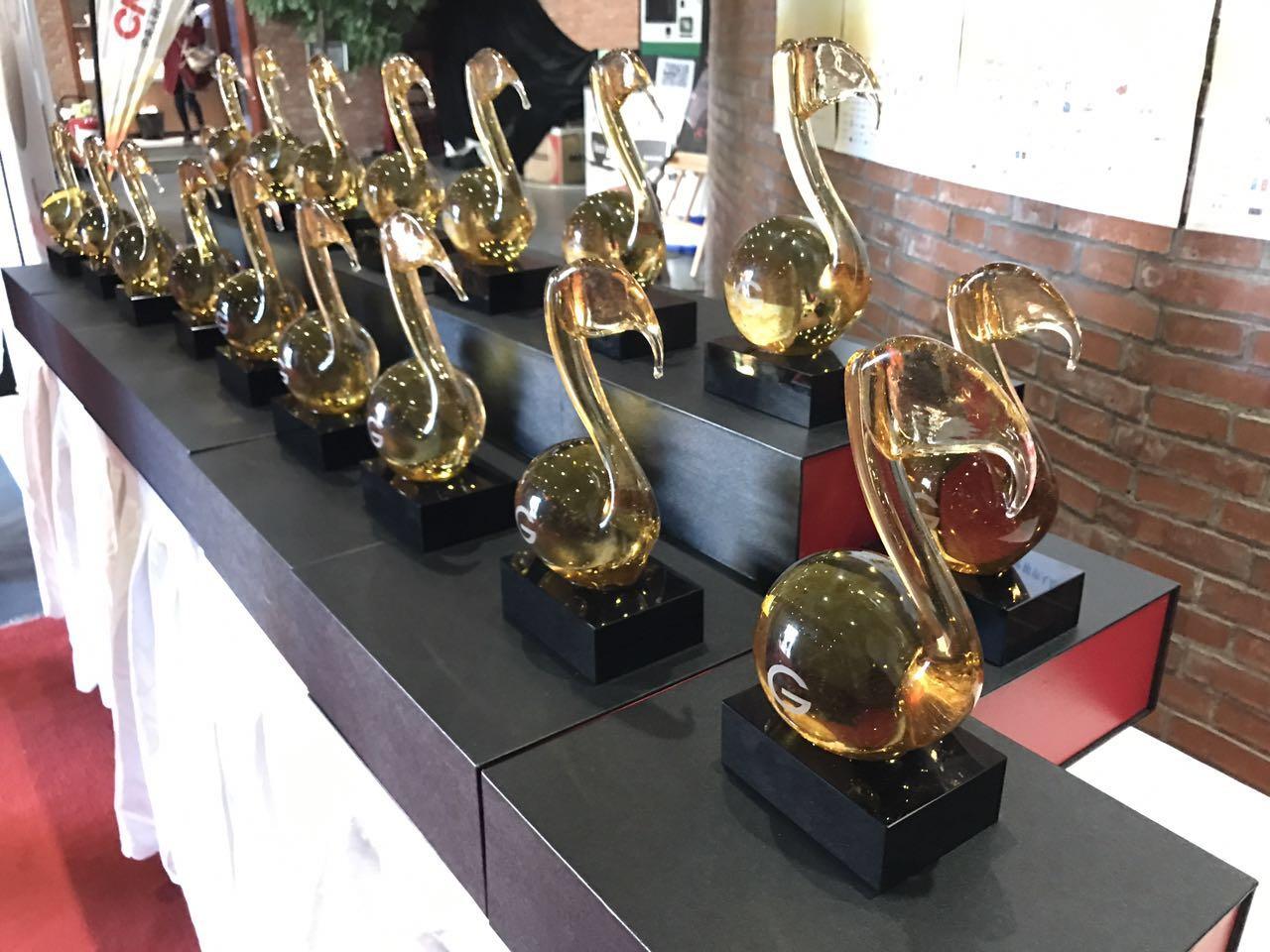 由星島製作的全球流行音樂金榜獎座